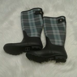 Woman's Tommy rain boots 6 $ 40.00 # 807